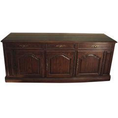 SOLD!Fabulous Henredon French Louis XV Style Vintage Walnut Credenza
