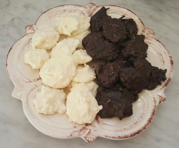 Coconut Clusters (1/4 lb)