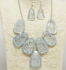 Clear Glitter Necklace Set