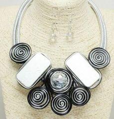 Swirl Necklace Set - Silver