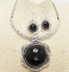 Flower Pendant Necklace Set-Black