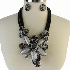 Large Metal Flower Necklace Set-Silver
