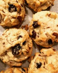 cranberry almond cookies *V