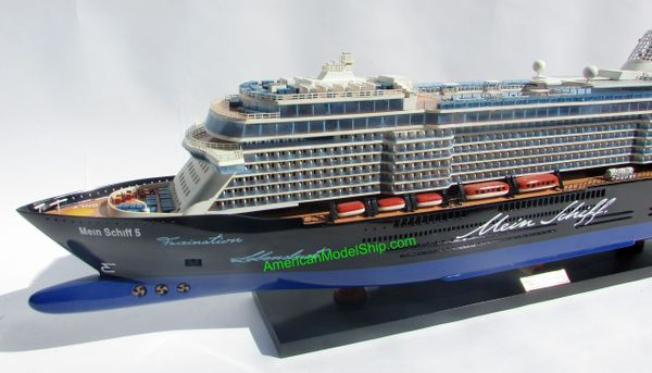 mein schiff 5 tui cruises ship model 39 scale 1 300 quality handcrafted american model ship. Black Bedroom Furniture Sets. Home Design Ideas