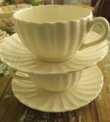 Set of 4 White Chelsea Wicker Cup & Saucers