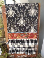 Country French Black Toile Runner