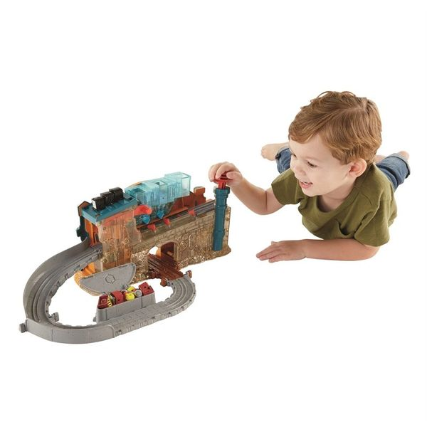 Fisher-Price Thomas and Friends - Take-N-Play Engine Maker
