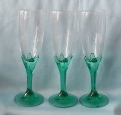 Elegant Set of (3) CHAMPAGNE GLASSES Clear Green LONG STEM Fluted Clear