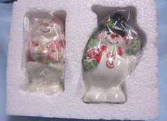 "COLLECTIBLE SHAKERS: Cute Snowman & Snow Lady Salt & Pepper Shakers ""Flurry Folk"" by Fitz & Floyd"