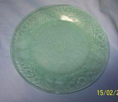 "SALAD PLATE: Vintage Indiana Glass Salad Plate; Pattern Horseshoe; Green Depression Glass; 8 3/8"" Diameter"