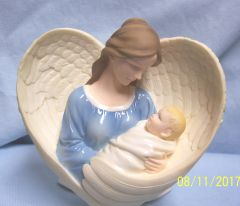 COLLECTIBLE ANGEL FIGURINE by CloudWorks™ Stone Resin - HEART FULL OF LOVE
