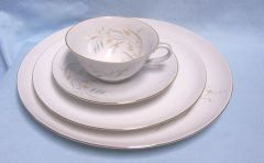 DISHES: China (4) Piece Setting Eschenbach Baronet Pandora China