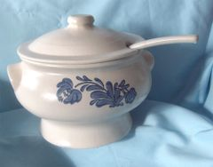 TUREEN - Soup Tureen, Lid and Ladle Blue Floral Pfaltzgraff Yorktowne USA