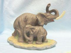 "FIGURINE: Mother and Baby Elephant Wild-life Figurine 6"" tall Ceramic Nice Details"