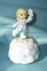 "MUSIC BOXES: Cute 5 1/4"" Rotating Precious Moments on Snowflake base"