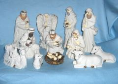 Old 13 piece Christmas Nativity Set - 1999 Home for the Holidays Porcelain with Gold Trim