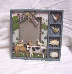 "PICTURE FRAME: Cute Photo Frame with Farm Animals Resin 3 D Shadow Box Style Home Decor 8.5"" H"