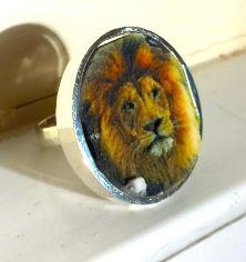 Lion Premium Silver Ring Selfie