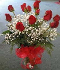 Dozen Roses in Vase (Choose Color)