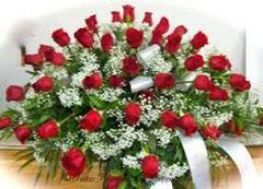 Casket Spray w/Red Roses (3 dozen)