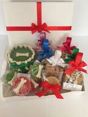 Big Chrismas box ( with Cake & cupcake and treats & toy )