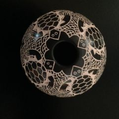 Mata Ortiz Ball-Shaped Pot - Black and White - With Sea Turtles