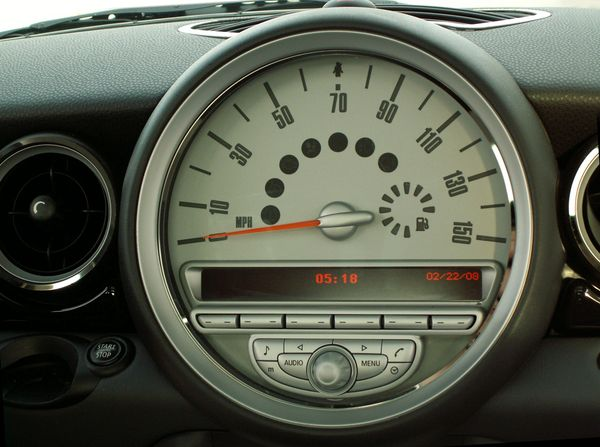 Mini Cooper Coupe Clubman Speedometer Trim Ring Polished 2008