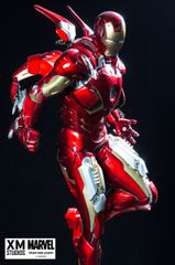 PREMIUM COLLECTIBLES: IRON MAN MARK VII STATUE (MOVIE VERSION) - Sold Out