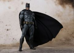 "S.H. Figuarts Justice League - Batman ""Preorder ETA 12/17"""