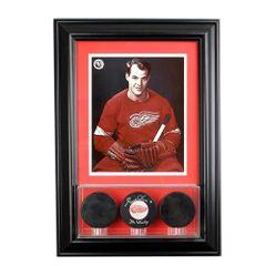 Triple Hockey Pucks Display Case and 8 x 10 Frame