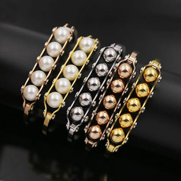 Bangle with pearls