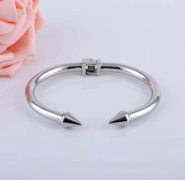 Stainless steel hinged bangle