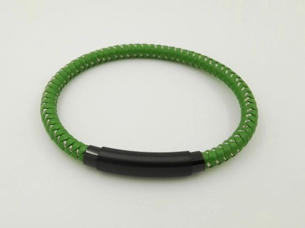 Stainless steel green wire bracelet
