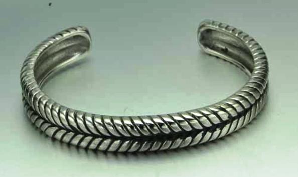 Stainless steel engraved bangle bracelet