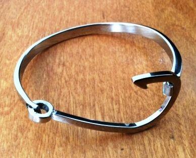 Stainless steel hook bangle bracelet