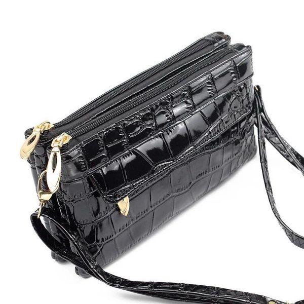 Alligator patent waist-bag