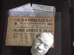 JOHN DILLINGER DEATH MASK, ORIGINAL NEWSPAPER WITH FRONT PAGE HEADLINE OF HIM SEEN IN CHICAGO, AND COPIES OF FBI REPORTS