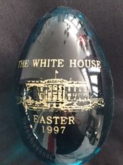 BILL AND HILLARY CLINTON OFFICIAL 1997 WHITE HOUSE GLASS EASTER EGG