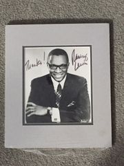 RAMSEY LEWIS SIGNED PHOTO MATTED DISPLAY JAZZ COMPOSER, PIANIST
