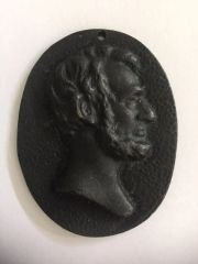 [ABRAHAM LINCOLN] LATE 18TH OR EARLY 19TH CENTURY CAST METAL PORTRAIT