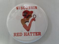 Wisconsin Red Hatter Button -B