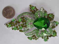 Green Brooch Pin #2898