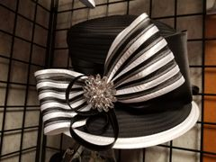 Black and White Fancy Hat 418204