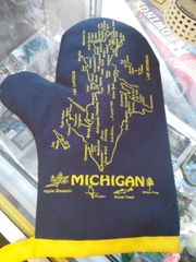 Blue and Gold Michigan Mitten 5705
