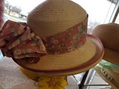 Beige Hat with Flower Band 418238