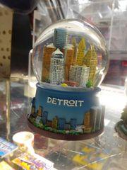 Large Detroit Snow Globe 1470