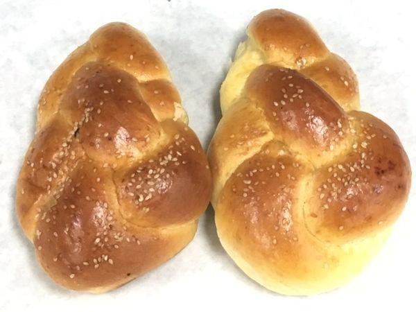 Unique Bakery Medium Sized Egg Challahs 2 Pieces