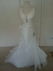 Aire Barcelona Napoles Wedding Gown Size 12