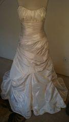 Casablanca Bridal Gown 2045 size 12 Strapless Scoop neckline