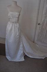 White One NEMA A-Line Strapless Wedding Gown SIze 18